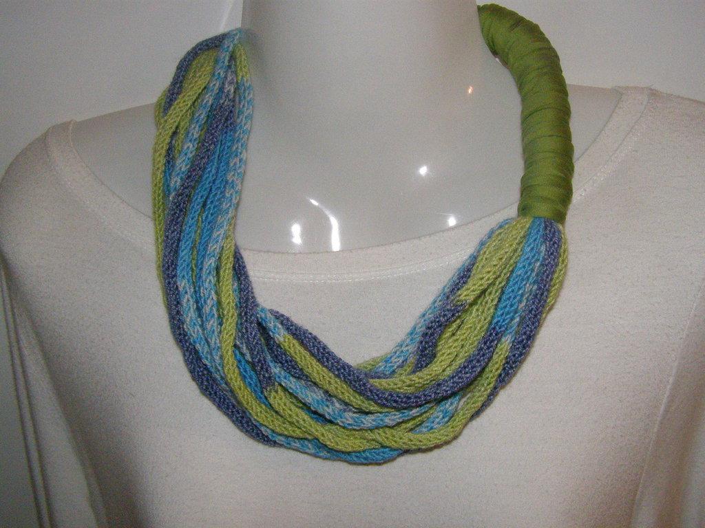 girocollo multifilo a tricotin