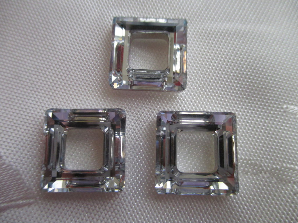 Square Ring Cristallo Swarovski mis 14 mm colore Crystal Comet Argent Light