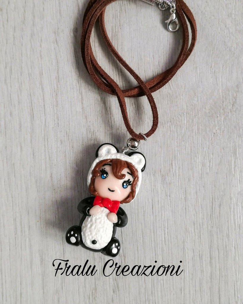 Collana con ciondolo bambolina panda in fimo