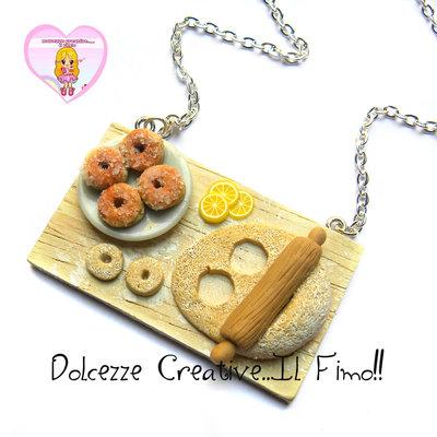 Collana vassoio - preparazione krapfen - ciambelle - handmade idea regalo impasto matterello