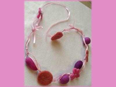 Collana feltro pannolenci rosa-lilla-viola