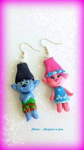 Idea regalo Natale Orecchini in fimo handmade Trolls kawaii