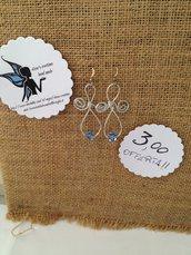 offerta orecchini artigianali con mezzi cristalli, cristalli, pietre naturali, madreperla