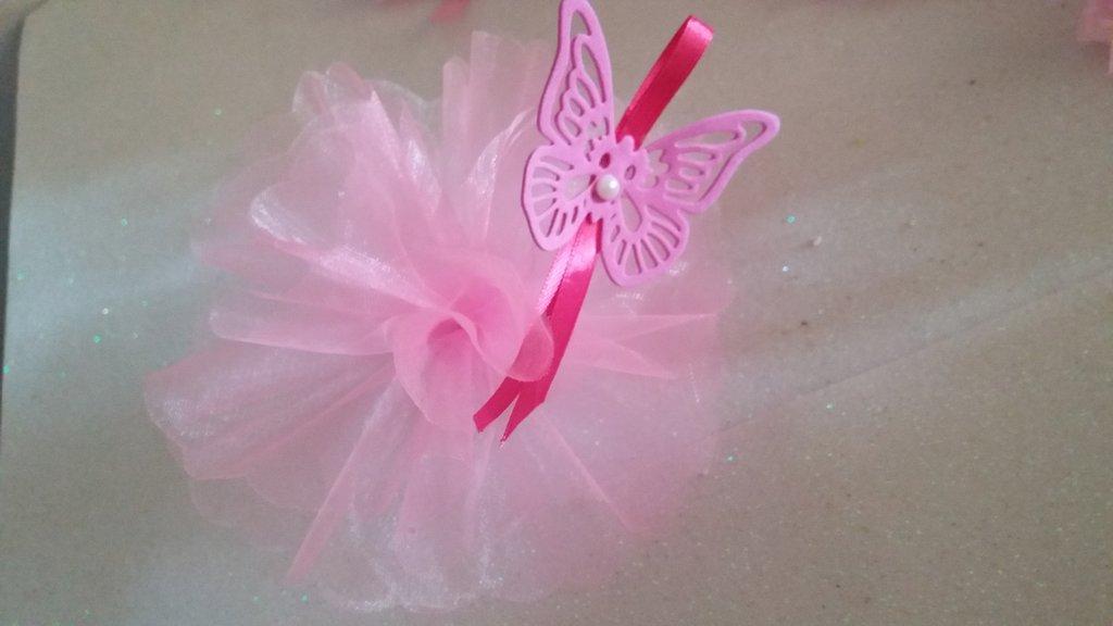 bomboniera fiore di tulle con farfalla