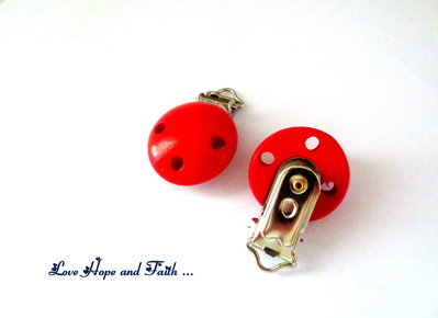 1 Porta ciuccio color rosso (48x28x17mm)