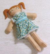 Bambola in feltro e stoffa