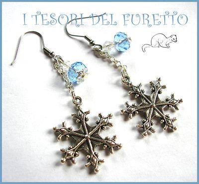 """Orecchini """"Neve e ghiaccio """" fiocchi di neve idea regalo eleganti azzurro bianco"""