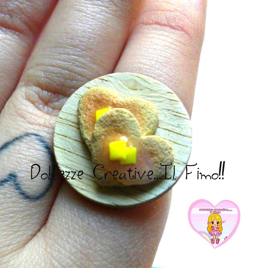 Anello vassoio tondo con pacake a forma di cuore con burro - handmade kawaii miniature