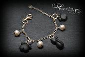 bracciale fimo| bracciale gatto nero| bracciale zampette| bracciale perle| bracciale ciondoli fimo| polymerclay bracelet| gioielli fimo| gioielli gatto nero| gatto nero fimo| zampette fimo