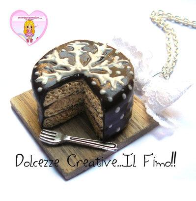 ☃ Natale In Dolcezze 2016 ☃ Collana torta glassata al cioccolato tre strati con fiocco di neve