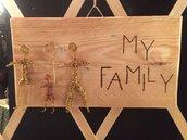 """Quadretto handmade in legno e fil di ferro oro e rame:""""My family"""""""