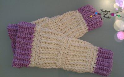 Manicotti bicolore fatti ad uncinetto