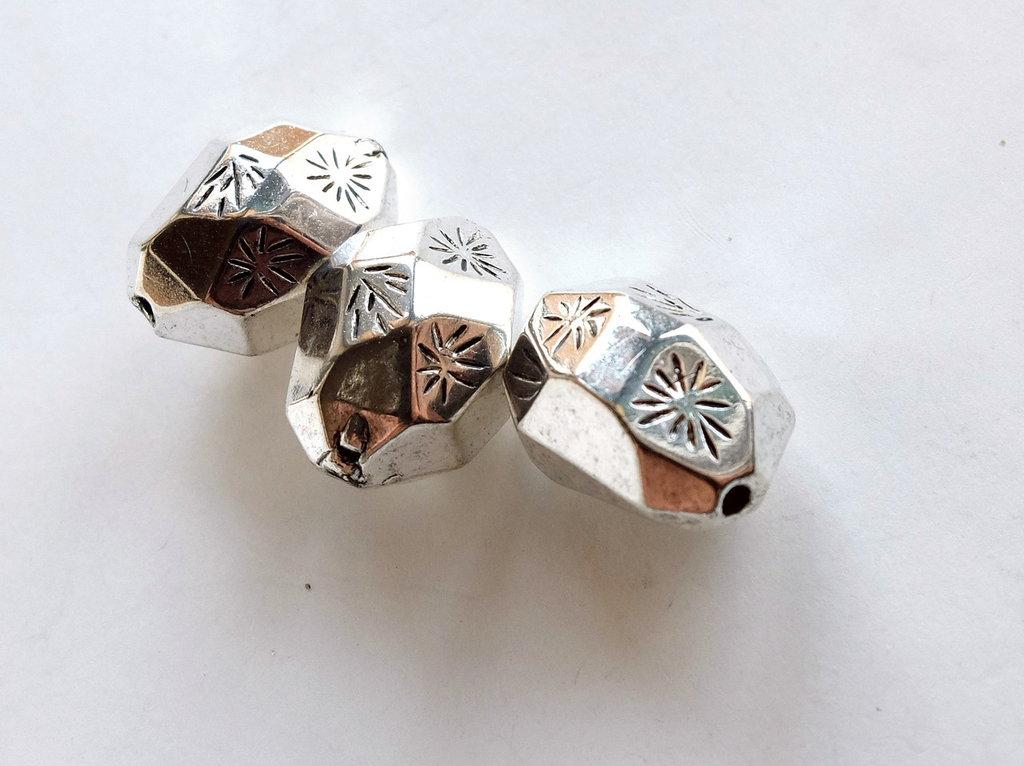4 Perle argento antico acrilico PRL 424