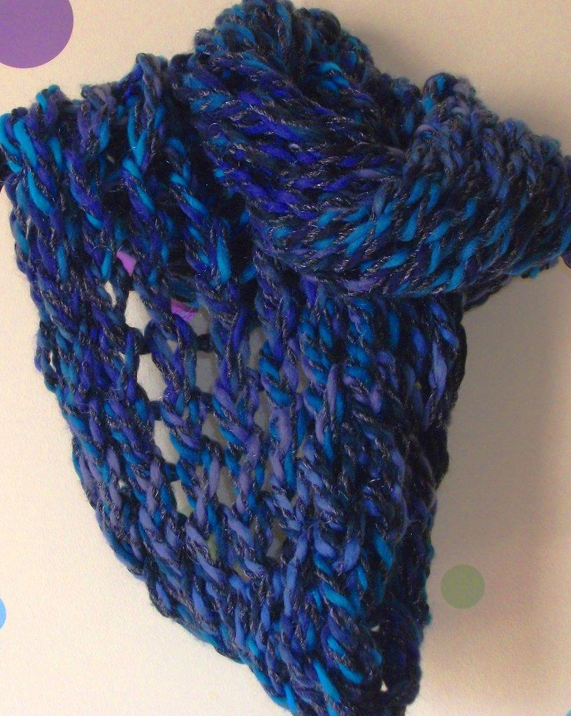Idea Regalo - Sciarpa Infinity Coprispalle e Scaldacollo - Sfumature del Blu