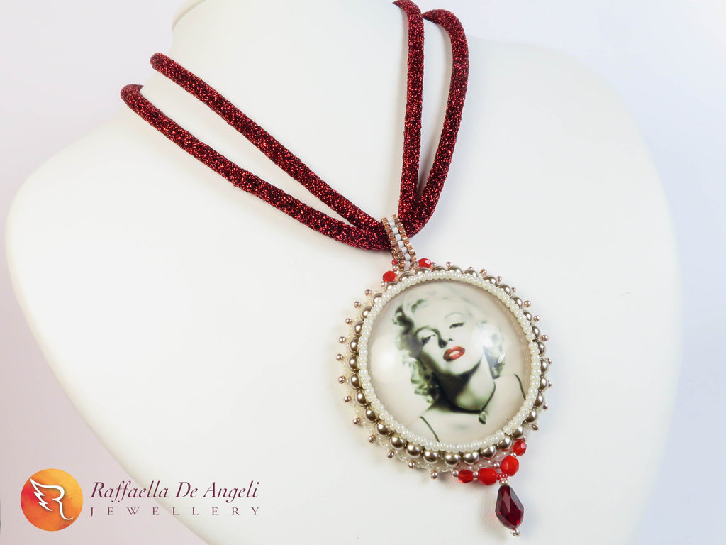 Collana ciondolo embroidery Marylin