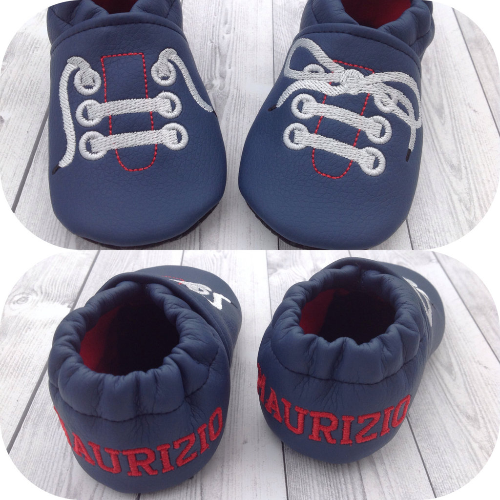 Scarpine ecopelle blu con stringhe ricamate, personalizzate con nome e suola antiscivolo - Bimbo Neonato