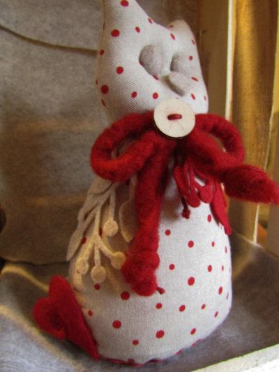 Gatto fermalibri in cotone beige con pois rossi