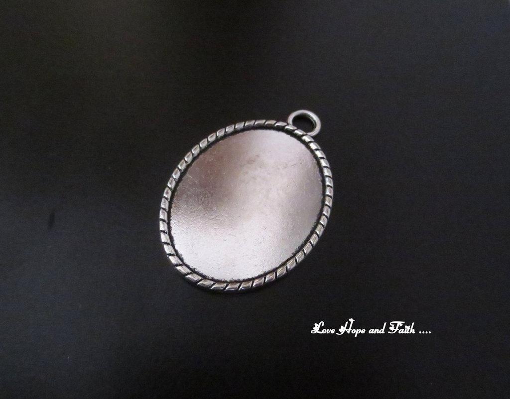 NOVITA'! Base cabochon color argento (bcod.426)