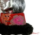 Flowers and fur collo in lana cotta con bordo in filato pelliccia, rosso e nero, Natale, scaldacollo, moda inverno, donna