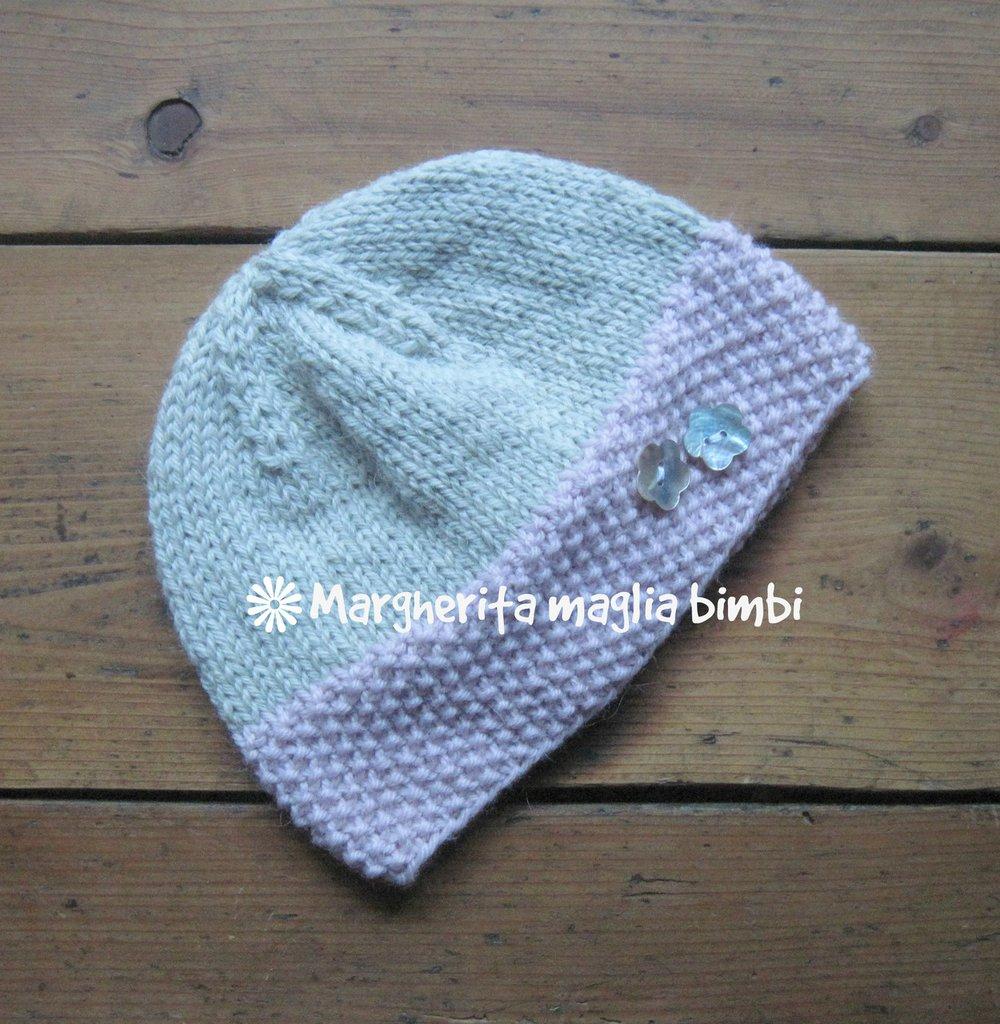Cappello - cuffia - berretto bambina grigio e rosa con fiori in madreperla  fatto a mano 33c1b92a6cc4