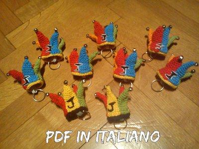 Istruzioni PDF ITALIANO Cappello giullare portachiavi