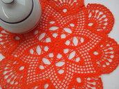 Centrino a uncinetto arancione, centrotavola, pizzo, arredamento casa, 29 cm,  centrino arancione ,colore arancio