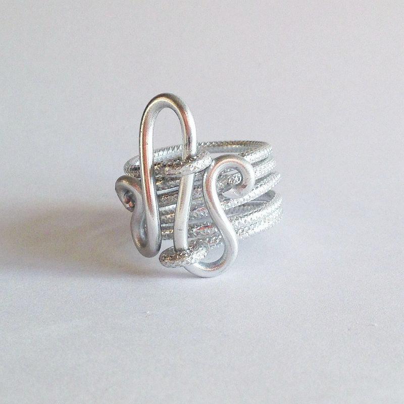 SU ORDINAZIONE Anello wire alluminio embossed
