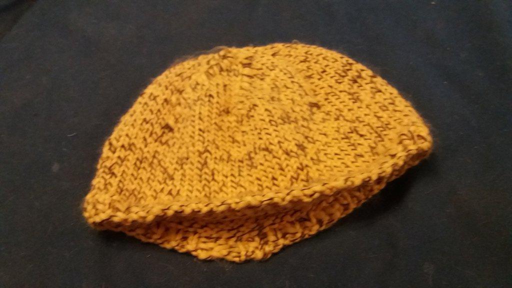 beretto giallo eta 6 mesi