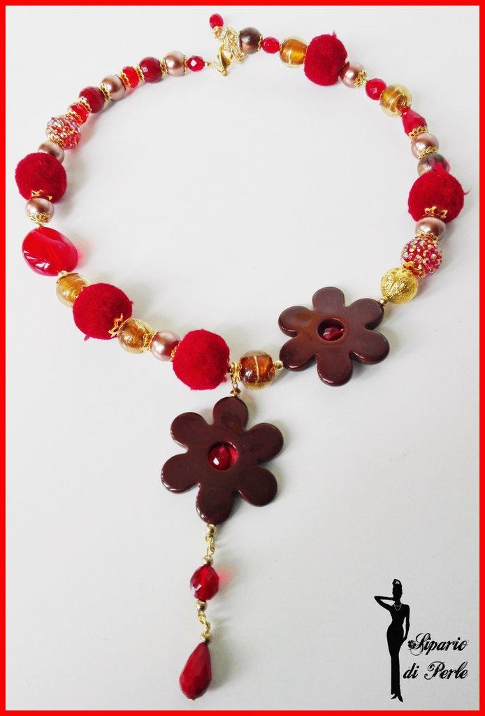 Girocollo con fiori rosso/marrone/oro