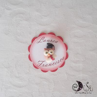 Card Art etichetta segnaposto bomboniere laurea tonde smerlate con gufetto coccinella laurea