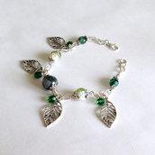 Bracciale verde con agata e ciondolo foglia