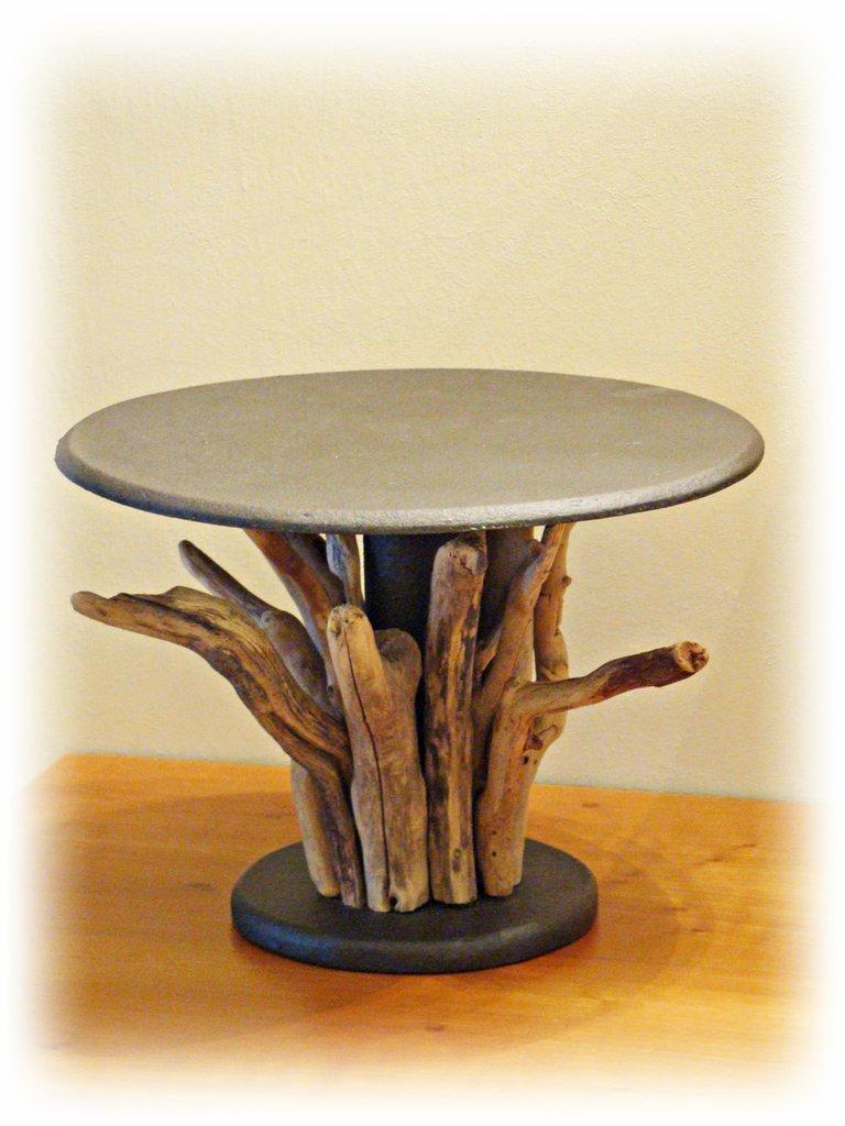 Alzatina con legni di mare