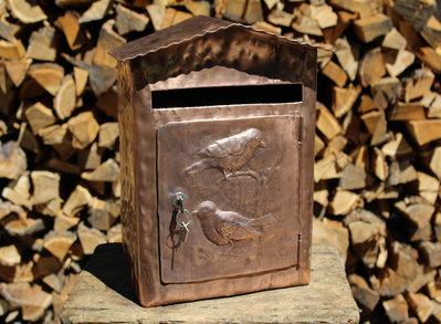 Portalettere cassetta posta postmen uccellini in rame lavorata a mano.