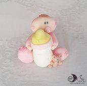 Cake topper bebè con biberon e orsetto per bimba in rosa