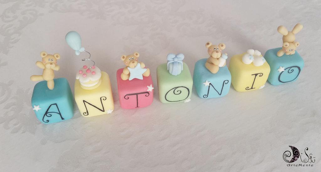 Cake topper cubi con orsetti Multicolor personalizzato 7 cubi 7 lettere Antonio