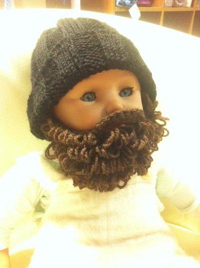 Berretto bimbo 12-24 mesi in lana con barba removibile