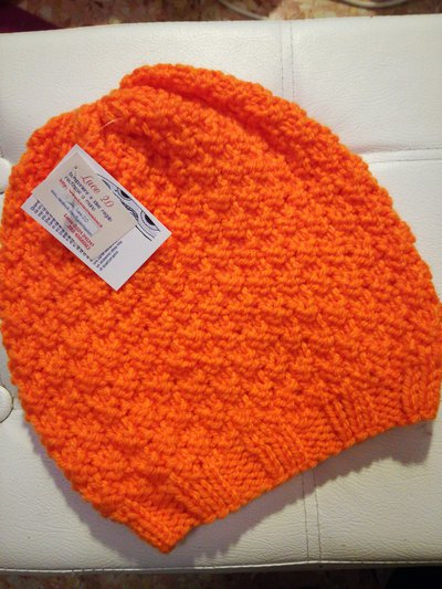 Berretto molle unisex in lana arancio fluo