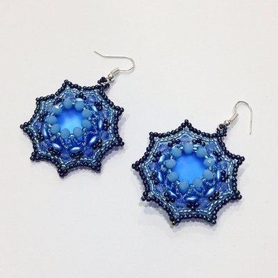 Orecchini Soft con lucite azzurra e perline