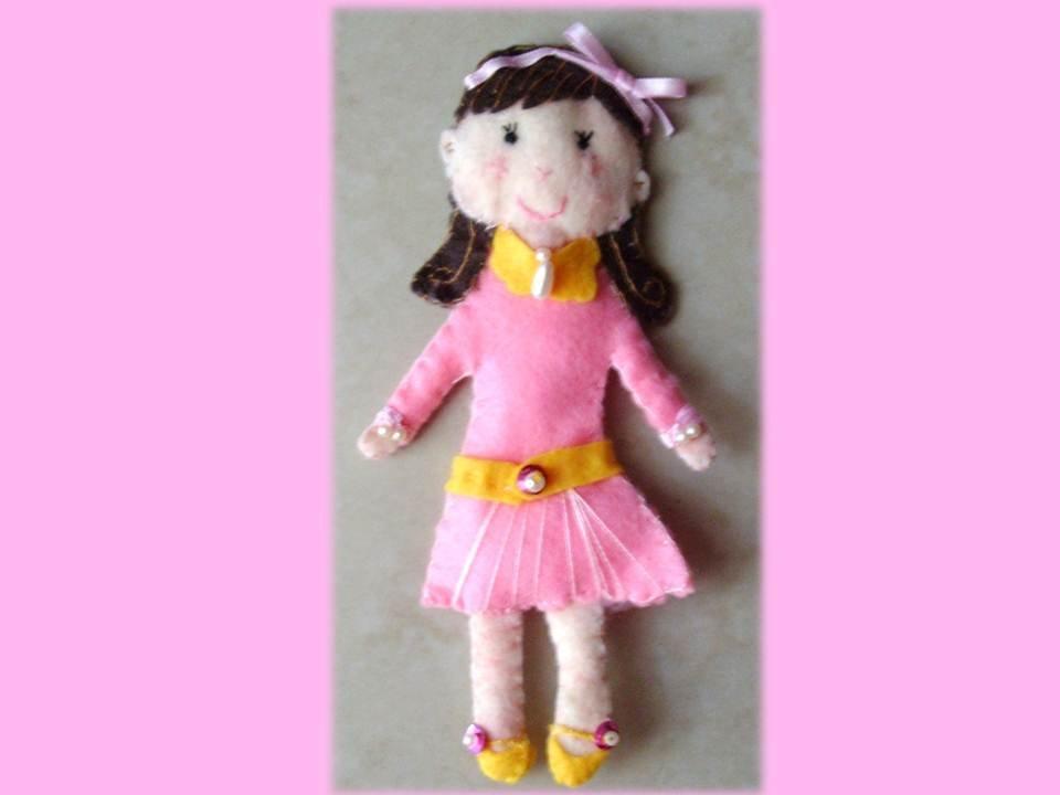 Bambolina in pannolenci feltro Rosa