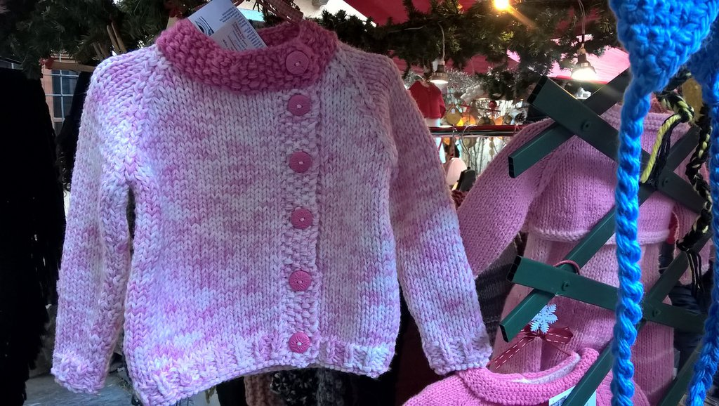 Giacchino bimba 2-3 anni rosa e fucsia ai ferri con bottoni
