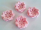 4 Fiori a uncinetto per applicazioni / Set di 4 fiori /Scrapbooking / Fiori rosa.