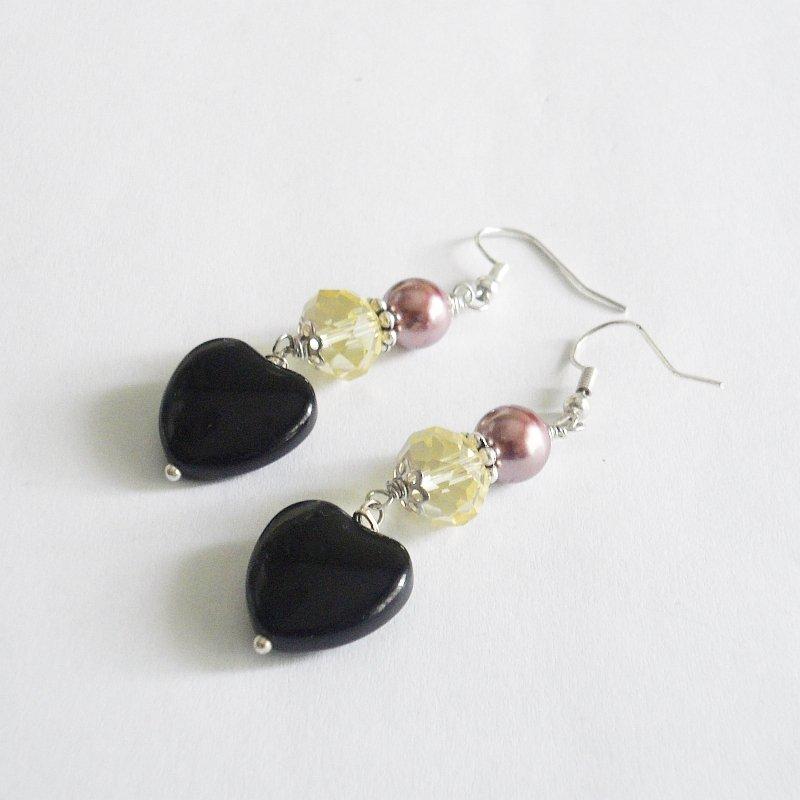 Orecchini nero e giallo con perla cerata rosa