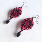 Orecchini Marquise rosso e nero con lucite