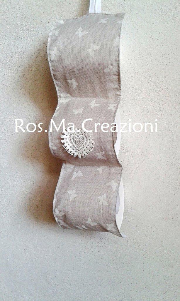 Porta rotoli di carta igienica per il bagno in stoffa fatto a mano su misshobby - Dove mettere il porta carta igienica ...