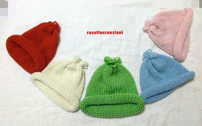 cappellino in lana merinos neonato fatte a mano ferri