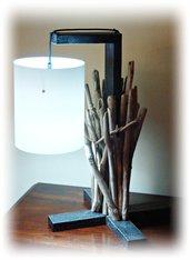 MIKATU lampada da tavolo con legni di mare