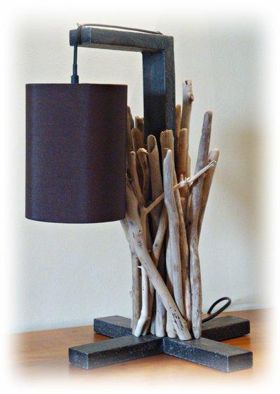 MIKATU lampada da tavolo con legni di mare - Per la casa e per te -...  su M...