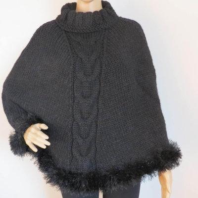 poncho mantella color nero