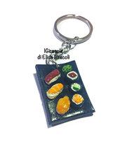 Portachiavi sushi con vassoio di nighiri e hosomaki in pasta polimerica fimo