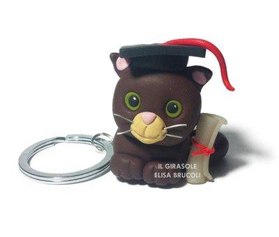Portachiavi in fimo con gatto: idea regalo laurea